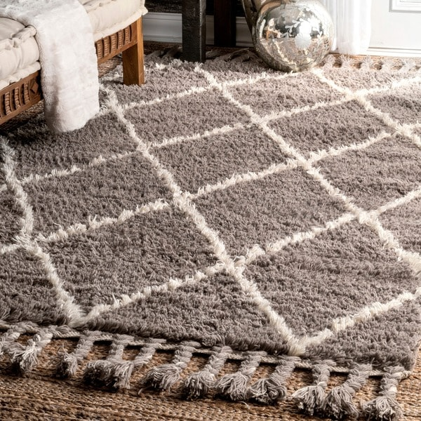 Nuloom Hand Knotted Moroccan Trellis Grey Shag Wool Rug