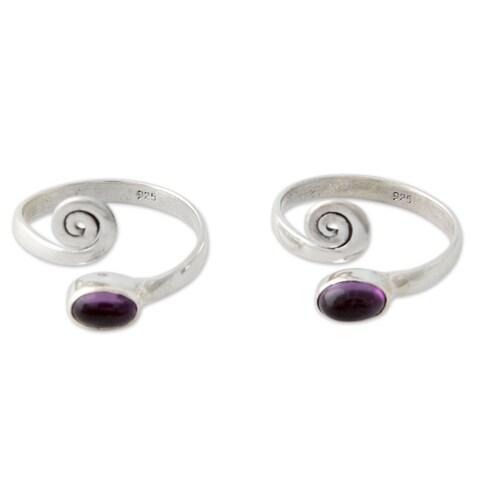 Handmade Set of 2 Sterling Silver 'Curls' Amethyst Toe Rings (India)