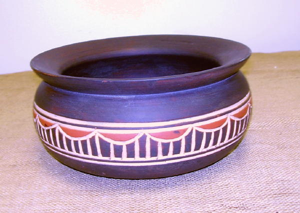 Hand-carved Ashanti Bowl (Ghana) - Thumbnail 2