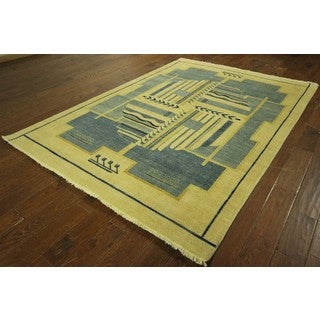 Traditional Kashkuli Gabbeh Ivory/Blue Hand Knotted Wool Area Rug (6'1 x 8'8)