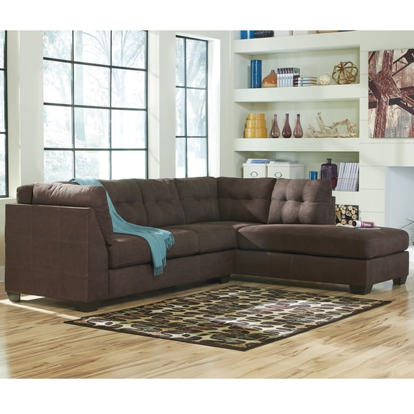 Benchcraft Maier Microfiber Sectional Sofa with Right Side Facing