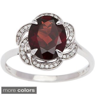 Viducci 10k Gold Garnet and 1/6ct TDW Diamond Ring (G-H, I1-I2)