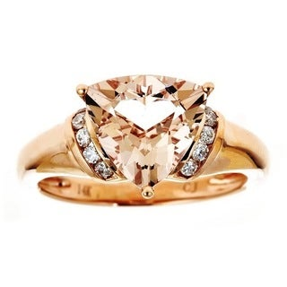 Anika and August 14k Rose Gold Trillion-cut Morganite 1/6ct TDW Diamond Ring (G-H, I1-I2) (Size 7)