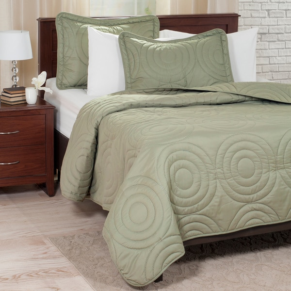 Windsor Home Solid Embossed 3-piece Quilt Set