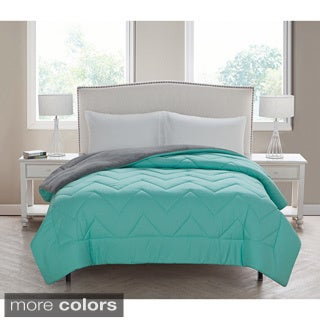 VCNY Lauren Chevron Down Alternative Comforter