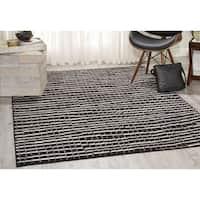 Nourison Studio Black Rug (5'3 x 7'3) - 5'3 x 7'3
