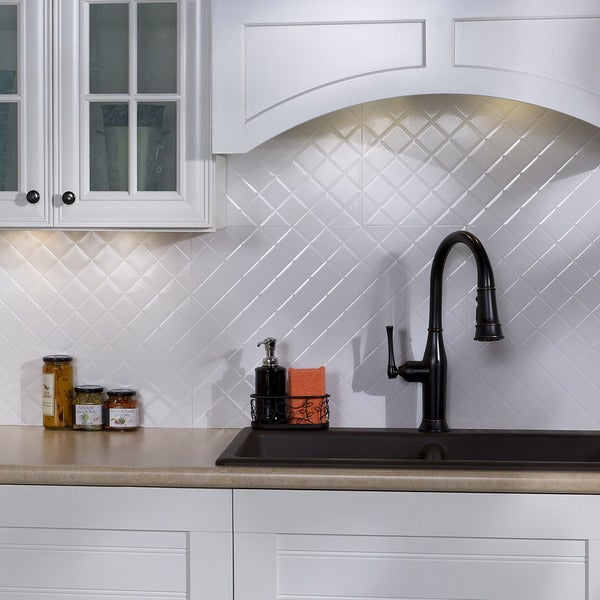 Shop Fasade Quilted Gloss White 18 In X 24 In Backsplash
