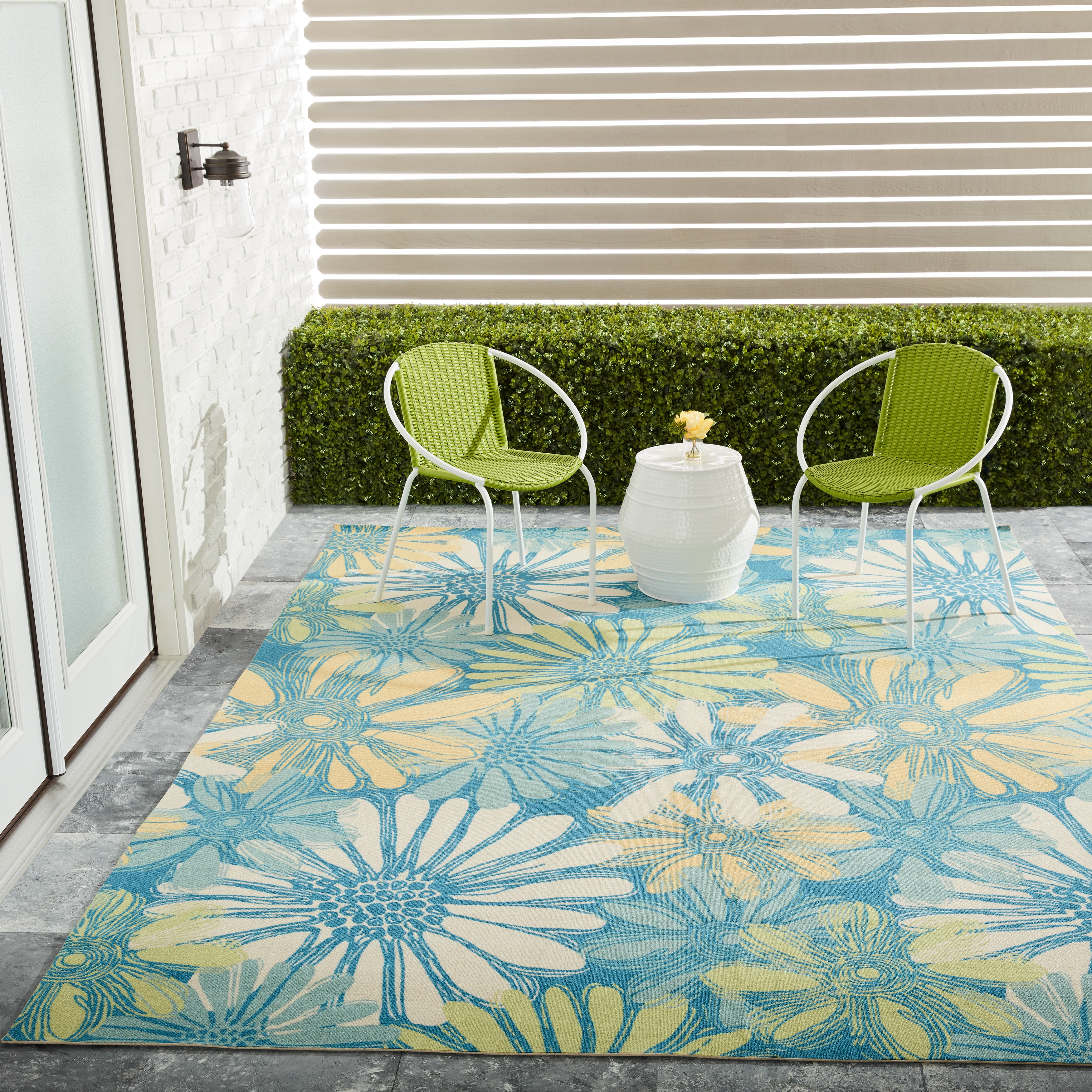 Nourison Home & Garden Indoor/Outdoor Blue Rug (5'3 x 7'5...