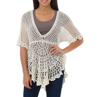 Handcrafted Pima Cotton 'Arequipa Dancer' Top (Peru)