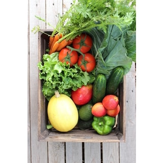 Fresh Life Organics Standard Organic Mixed Fruits and Vegetables Box