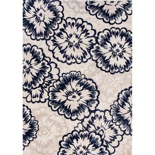Cappella Floral Ivory Area Rug (5'3 x 7'7)