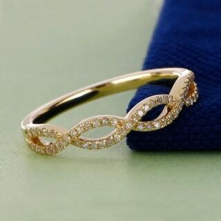 De Couer 10k Yellow Gold 1/6ct TDW Diamond Criss-Cross Ring