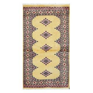 Herat Oriental Pakistani Hand-knotted Bokhara Wool Rug (2'3 x 4'1)