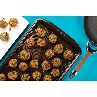 Circulon(r) Nonstick Bakeware Chocolate Brown 10 x 15-inch Cookie Pan
