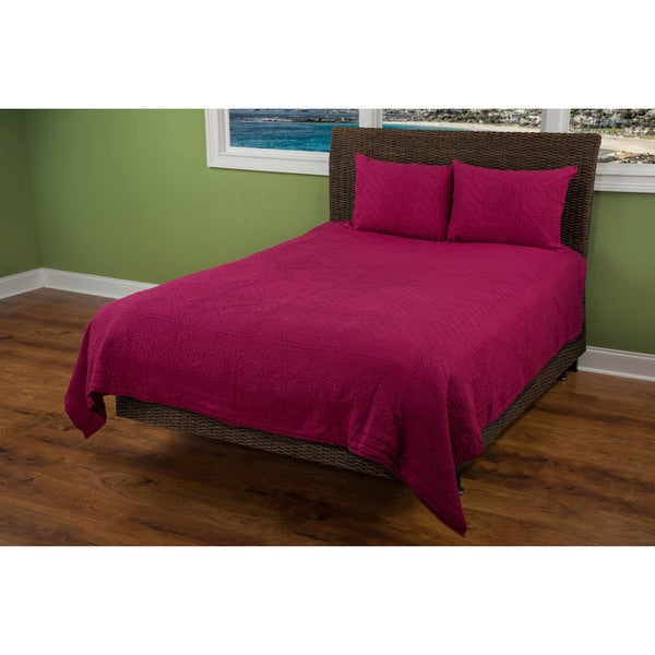 Rizzy Home Raspberry Moroccan Fling Quilt