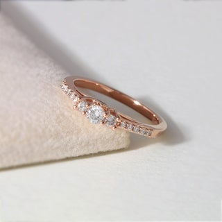 De Couer 10k Rose Gold 1/3ct TDW Diamond Three-Stone Anniversary Ring - Pink