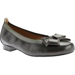 Women's Beacon Shoes Cora Flat Pewter Flats