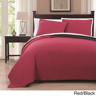 Project Runway Embroidered Reversable 3-piece Quilt Set