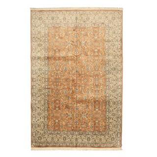 Hand-knotted Silk Peach Traditional Oriental Tabriz Rug (6'1 x 9'1)