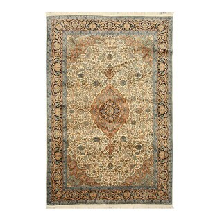 Hand-knotted Silk Ivory Traditional Oriental Tabriz Rug (6' x 9')