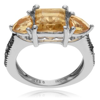 Journee Collection Sterling Silver Diamond Accent 1/5 TDW Citrine Ring