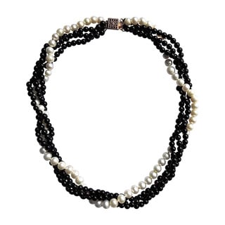 Black Jade twisted with Freshwater Pearl