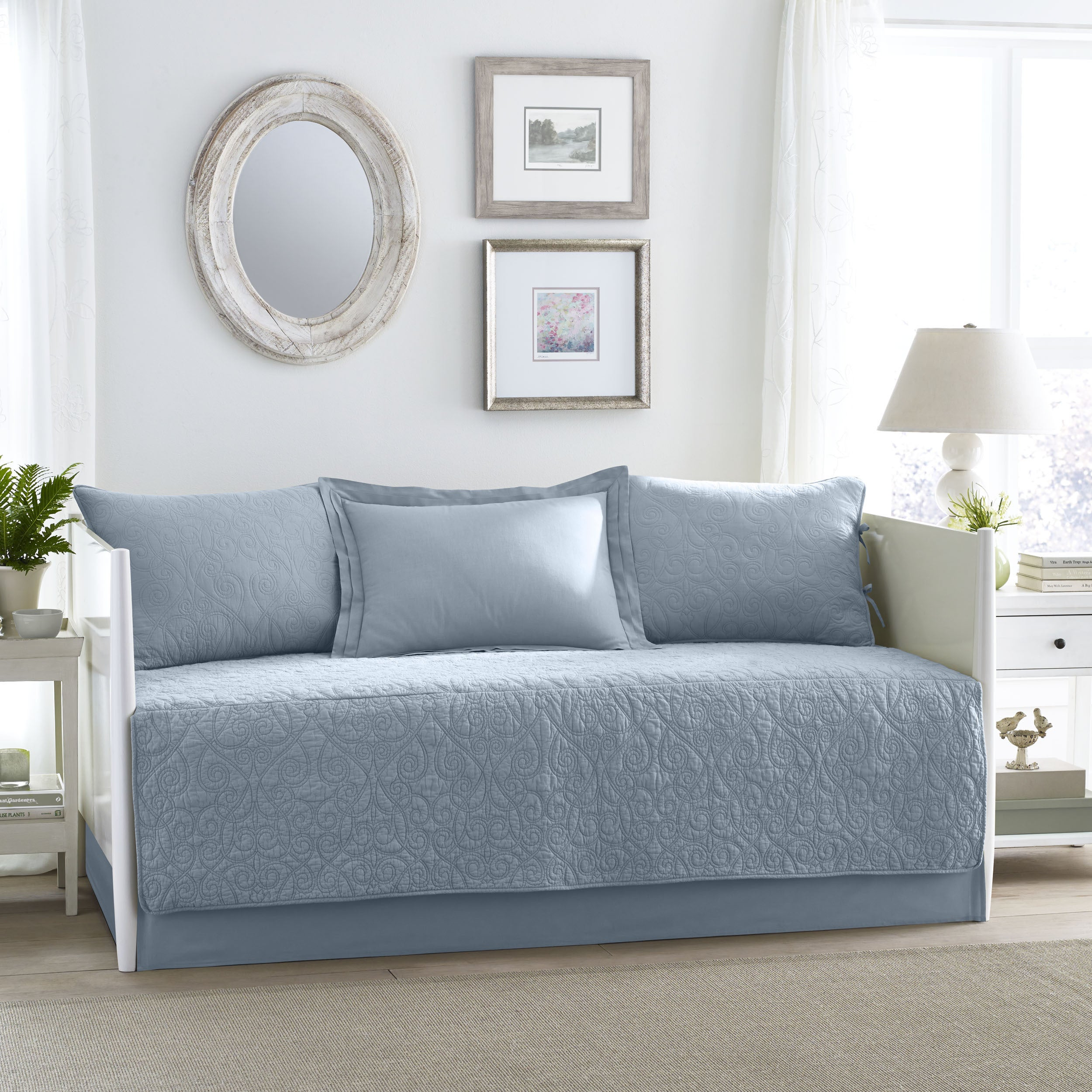 Laura Ashley Felicity Breeze Blue 5 Piece Daybed Set Overstock 10410655
