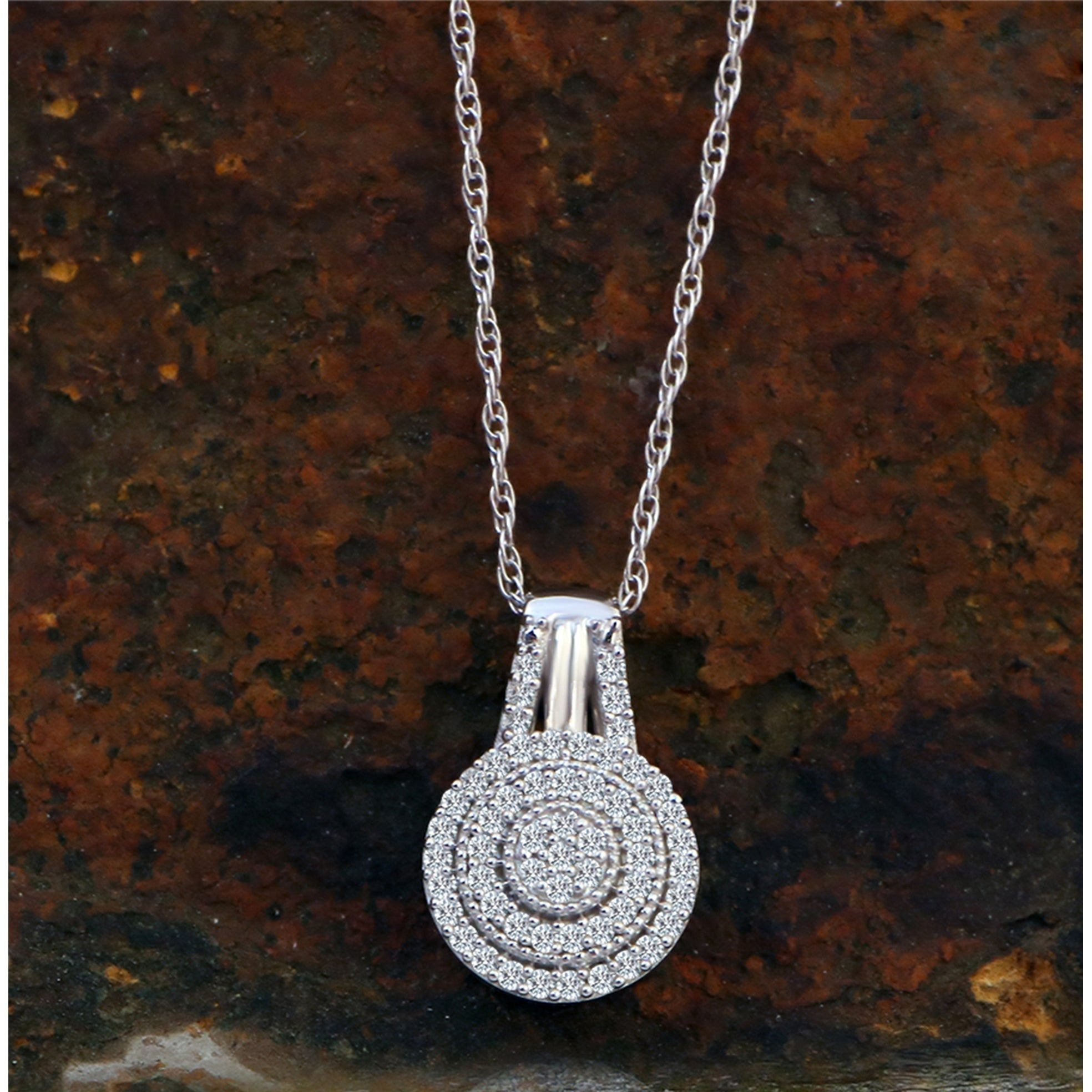Details about  /10k White Gold 1//8ct TDW Diamond Double Halo Necklace