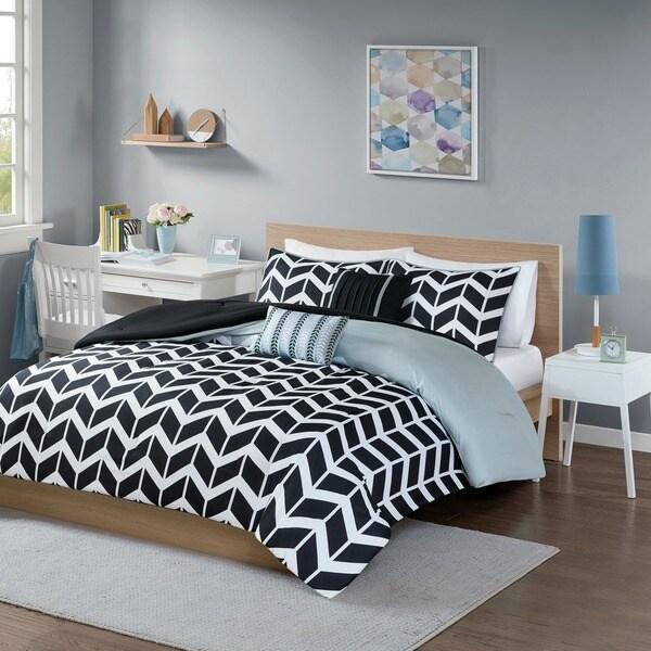 Intelligent Design Reversible Piper Black Comforter Set
