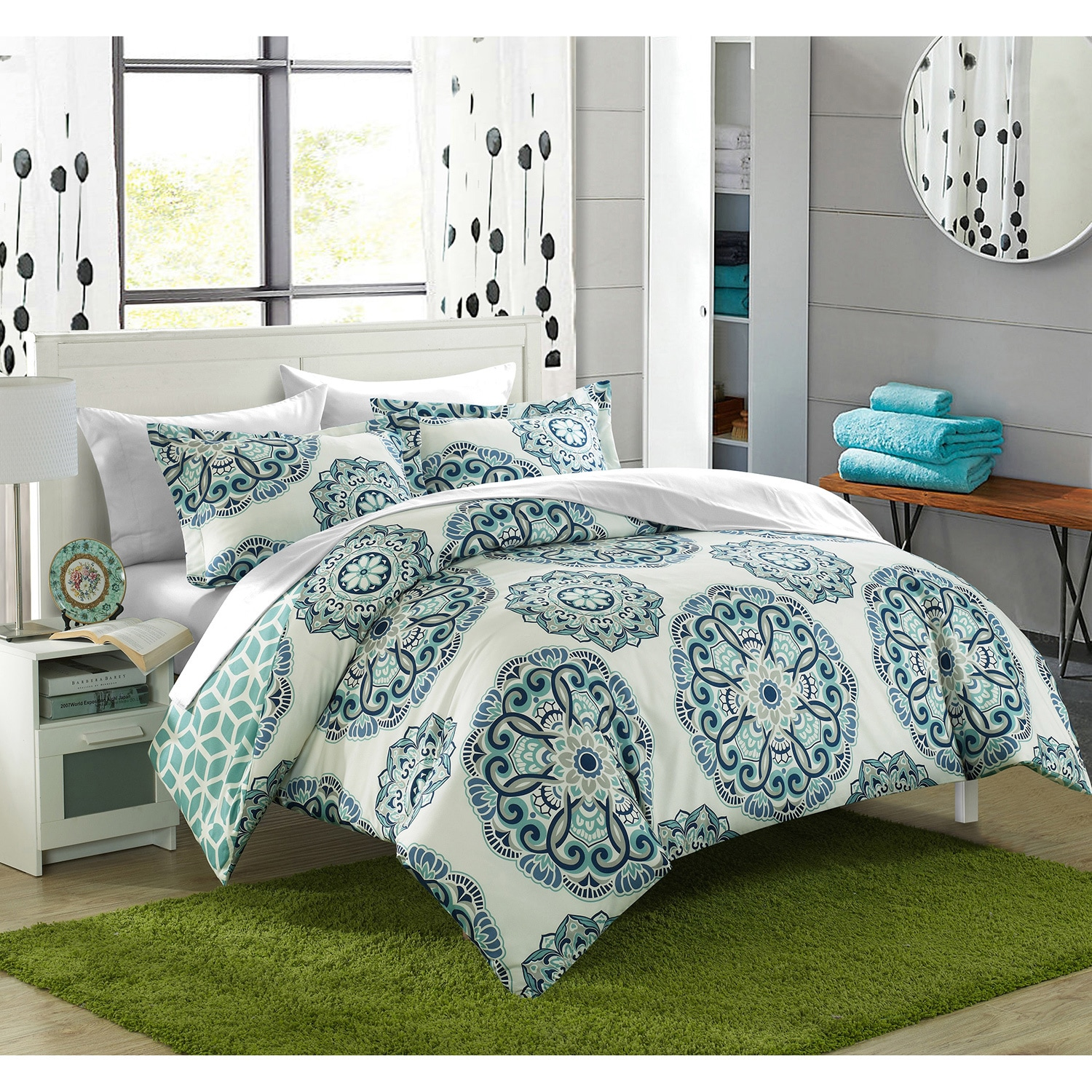 Chic Home Aragona Printed Medallion with Geometric Reverse 7-piece Bed in a Bag with White Sheet Set