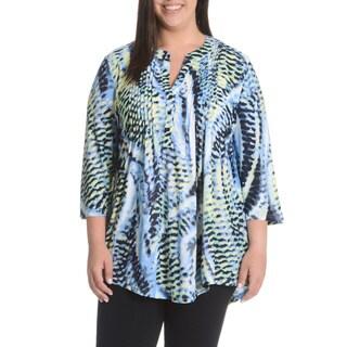 La Cera Women's Plus Size Abstract Animal Print Pleated Yoke 3-button Top
