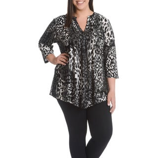 La Cera Women's Plus Size Abstract Leopard Print Pleated Yoke 3-Button Top