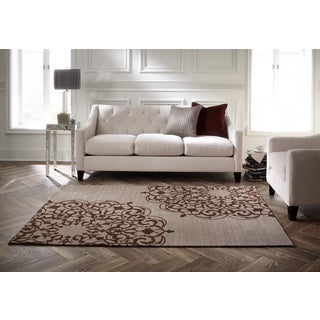 Spaces by Welspun Traditional Floral Medallion Natural Area Rug (2' x 5')