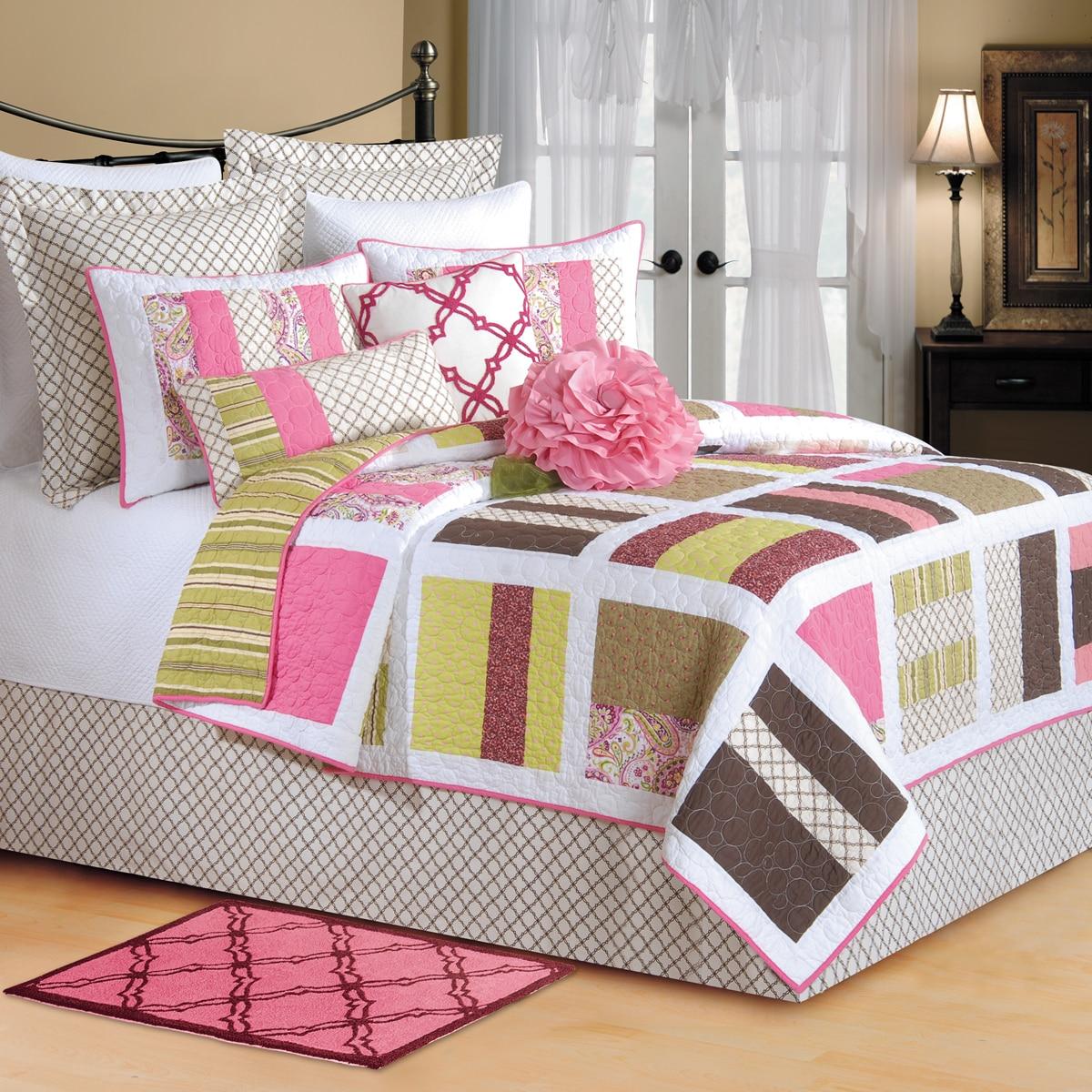 Enterprises Kendall Patchwork Reversible Quilt (Green/Pin...