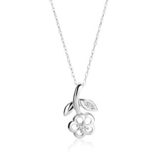 SummerRose 14k White Gold Diamond Accent Flower Necklace (H-I, SI1-SI2)