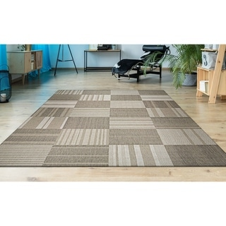 "Hampton Pastiche Beige-Cream Indoor/Outdoor Area Rug - 6'6"" x 9'6"""