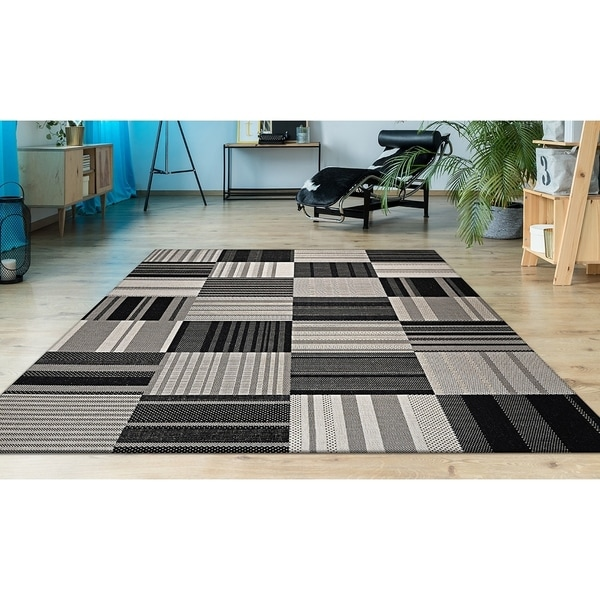 "Hampton Pastiche Black-Cream Indoor/Outdoor Area Rug - 6'6"" x 9'6"""