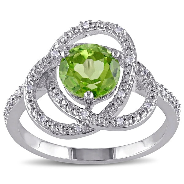 Miadora Sterling Silver Peridot and 1/10ct TDW Diamond Ring (G-H,I2-I3)