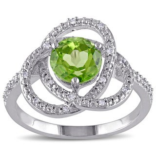 Miadora Sterling Silver Peridot and 1/10ct TDW Diamond Ring (G-H,I2-I3)