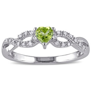 Miadora Sterling Silver Peridot and 1/10ct TDW Diamond Heart Ring (G-H, I2-I3)