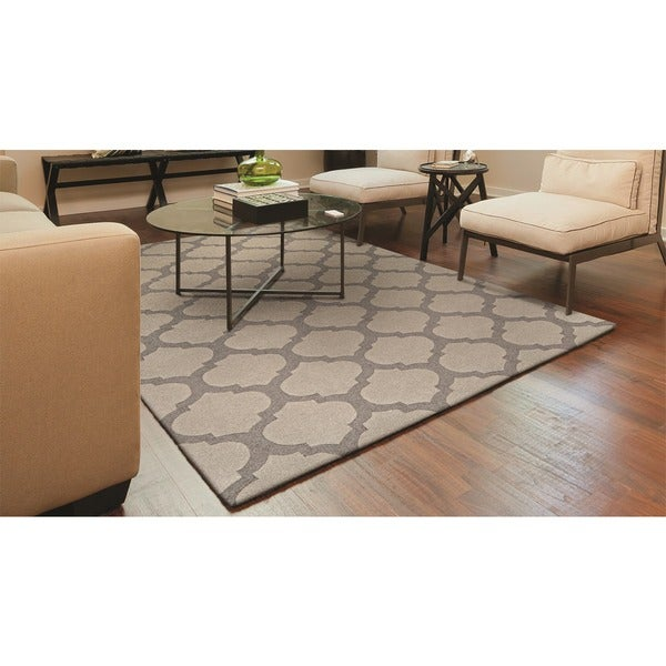 "Hand-Crafted Barlow Crystal Gray Area Rug - 9'6"" x 13'"