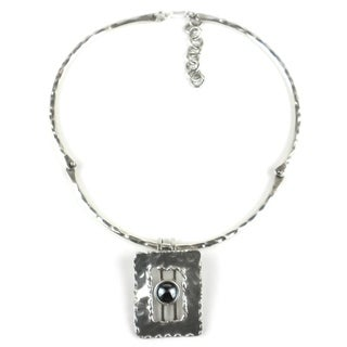 Handmade Hematite Grill Silverplated Necklace (South Africa)
