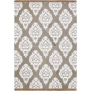 Hand-Crafted Farnham Damask Indoor Rug (8' x 10')