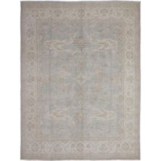 Hand-knotted Peshawar Chaimaa Light Green Rug (8' x 10'2)