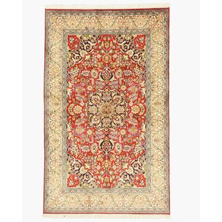 Hand-knotted Silk Red Traditional Oriental Qum Rug (4' x 6'6)