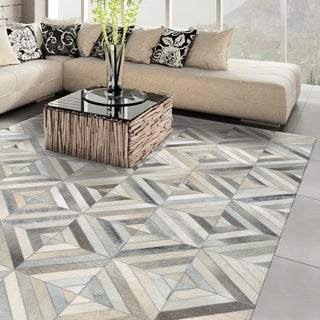 Vail Kaleidoscope Ivory Handcrafted Cowhide Area Rug - 3'4 x 5'4