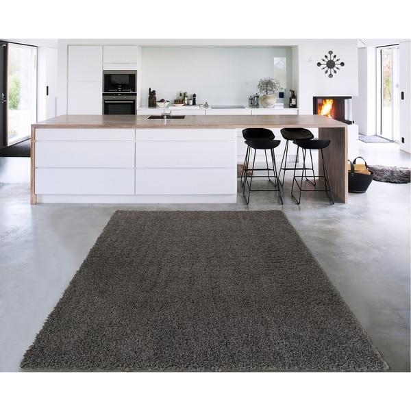 Sweet Home Cozy Shag Collection Solid Shag Rug (5' x 7') - 5' x 7'