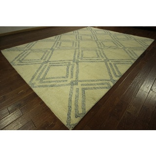Hand-knotted Diamond Design Moroccan Ivory Wool Oriental Area Rug (10' x 13')