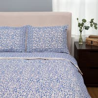 Handmade Indigo Blue Chain Pattern King-sized Duvet Set (India)