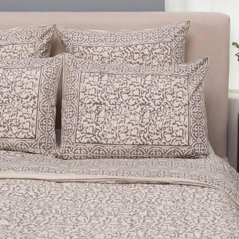 Handmade Set of 2 Taupe Chain Pillow Standard Shams (India)